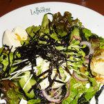 カフェ ラ・ボエム - 寄せ豆腐とワカメのサラダ
