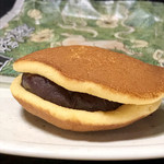 丹波鶴屋 - 料理写真:馬路大納言小豆のどら焼き