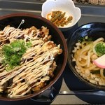 定食屋 めしどき - 鶏マヨ丼  うどんセット