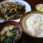 けんちゃん食堂 - ニラレバ定食