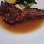 レストラン エピファニー - 私のメインの牛ステーキ