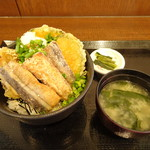 釈迦堂パーキングエリア(上り線)スナックコーナー - さんまとキノコ丼