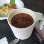 サンパール - スープは赤だしでした