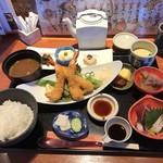 かどで家 - 料理写真:エビフライ定食 1400円