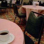 ゆうばりホテルシューパロ - 椅子や絨毯など女性好みの配色^^
