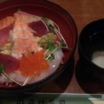 95421662 - 「早割りセットサービス」の海鮮丼&あら汁