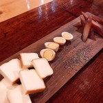 町屋バル SANKAKUYA - 燻製3種盛り合わせ
