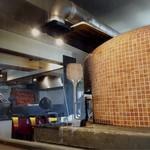 Pizzeria Salto - 大きなピザ窯がデデンと(๑°0°๑)!