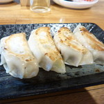 GYOZA8 - 大蒜入り餃子 450円