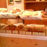ベルグ - ハード系のパンが多いです