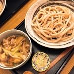 武蔵野うどん 一彩 - 肉汁・並(810円)