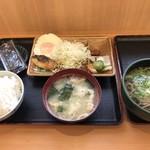おべんとうのヒライ - 料理写真:朝食 目玉焼=400円 かけそば 小=120円