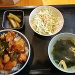 がっちゃん家 - 料理写真:とりかわ丼