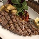 チャタンハーバーブルワリー&レストラン - US産サーロインのステーキ