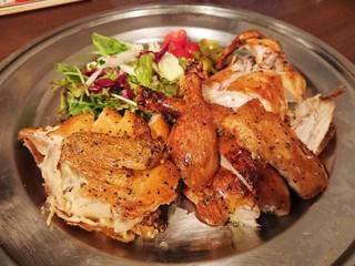 キッチン&チキン ペプチード - 華味鶏小雛のロティサリーチキン