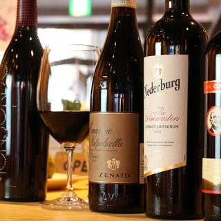 60種類のワインと40種類の純米酒、計100種類を飲み比べ!