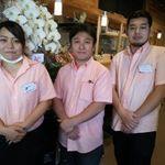 サーモンとエビ 鮮魚旬菜 のらばる - 美男美女のスタッフさん方;右・オーナーシェフのお2人で~す♪