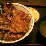 ぶたいち - ミックス豚丼 690円