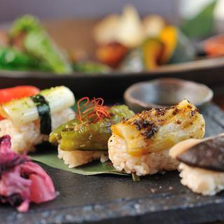 看板料理【野菜のお寿司】TVでも取り上げられたお寿司は必見!