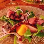 ITALIAN STAND GIGLIO - 鴨胸肉スモークと柿のサラダ