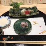 95471565 - オキアジのお刺身。色んなつまは豆腐のドレッシングで。