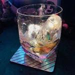夜光虫 - グラスがライトアップ!