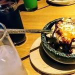 カルビ屋大福 - デザ-トに紅茶とオレンジの石ごねアイス637円☆ドリンクは手前からノンアルのピ-チカルピス(水割り)356円と炭焼きアイスコ-ヒ-(値段忘れ)☆10/18