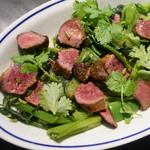 喃喃 - 蒸し青菜と牛ハツのサラダ