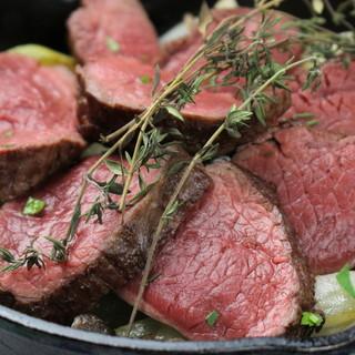 ◆国産赤身肉◆牛肉しんたまの炭火焼には、厳選を使用
