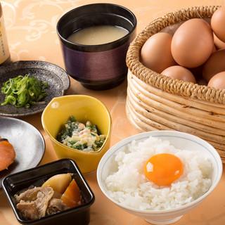 朝食バイキング大人1,300円・小人600円(税別)
