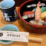 95489210 - これぞ、ザ寿司屋!