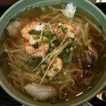 ニャーヴェトナム - 美味しい海鮮フォー