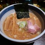 九段 斑鳩 - 手もみ太麺な濃厚らー麺(790円)
