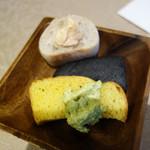ルモンド・ガーデン - 取り放題のパン。明太子バターやピスタチオバターもありましたよ。