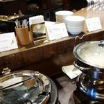 ルモンド・ガーデン - ソーセージのラザニア・特製ハッシュドビーフ・伊万里産の長粒米『ホシユタカ』を使ったバターライス。