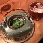 95501483 - 松茸の土瓶蒸し