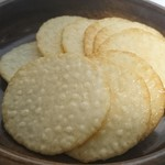 酒田米菓 - 料理写真:お米風味の薄焼きせんべい
