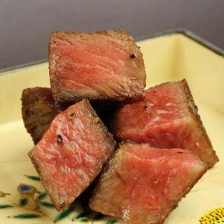 牛肉の旨味を堪能できるお品や、ジビエなどをたっぷり愉しめる
