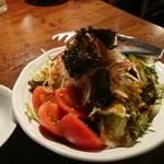ホルモンさわ - ベジファーストで先ずはサラダをいただきましょう~!