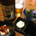 沖縄食材酒家 なかや - 海ぶどう。ビールはオリオン。