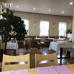 カフェレストランおきらく亭 - 店内