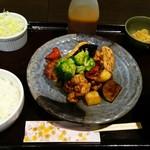 まこと家 - お野菜たっぷり鶏の黒酢南蛮定食