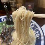 博多らーめん ShinShin - 麺リフト