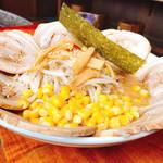 95522904 - 『味噌チャーシュー麺』横顔