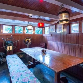 大航海時代にタイムスリップ!?船の中にいる気分でお食事を。
