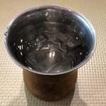 バンゲラズ キッチン - お水