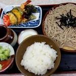月見 大町店 - 料理写真:ミニ天ざる蕎麦 どこがどうミニなんだろう