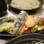 酒+蕎麦 な嘉屋 - 2011/09 季節の野菜のてんぷら