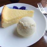 9554321 - チーズケーキとアイス