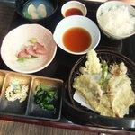密漁船 - 天ぷら定食